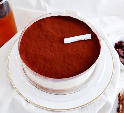 부드럽고 촉촉한 리얼 티라미수 케이크